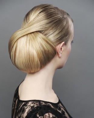 Прическа для жирных волос