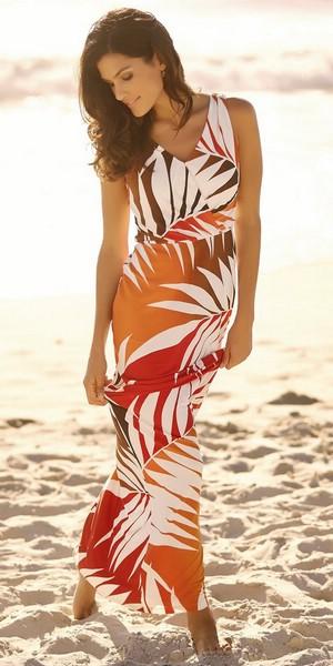 фото женщины за 40 на пляже