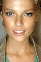 Как подобрать макияж для серых глаз