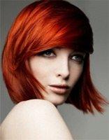 Асимметричные укладки набок для волос средней длины