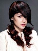 Смелые градуированные прически для длинных волос