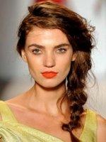 Модные прически: косы, жгуты и конские хвосты