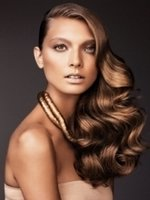 Гламурные прически для длинных волос