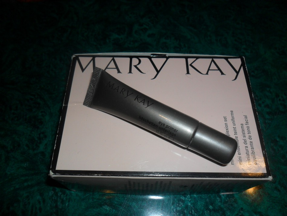 Основа под тени Mary Kay Eye Primer. Отзыв