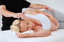 Польза массажа во время беременности
