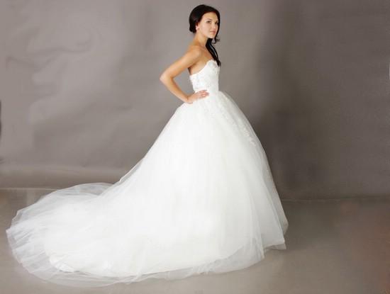 Эксклюзивные и необычные свадебные платья на все вкусы в магазине свадебных платьев tavifa-spb.ru